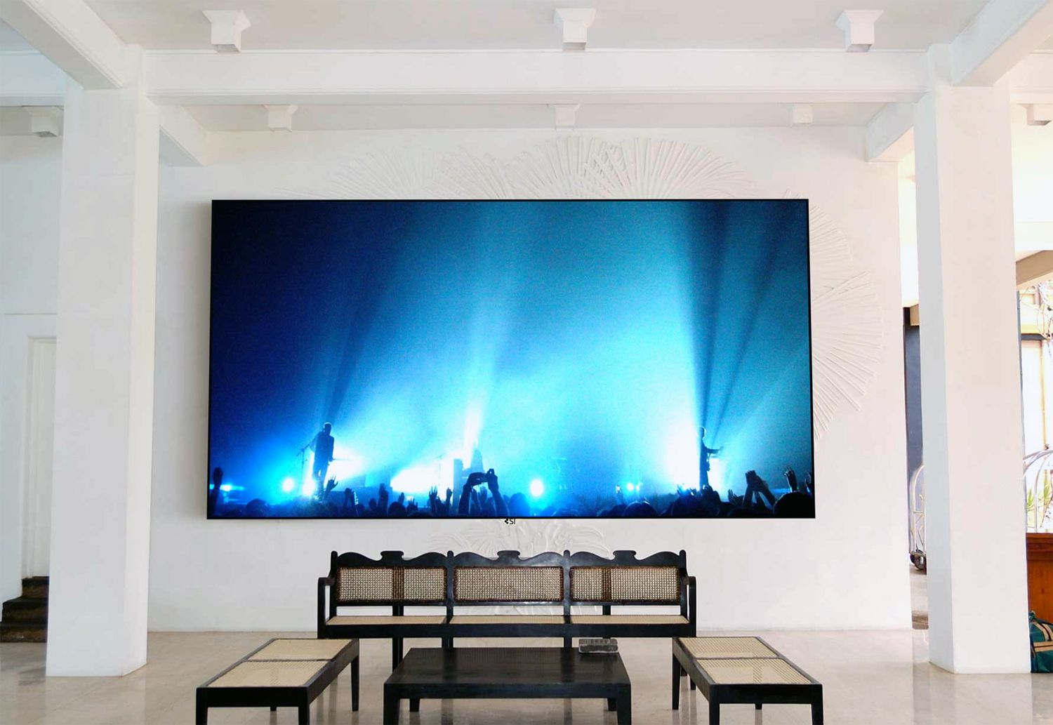 Before you buy a video projection screen - What size tv to get for living room ...