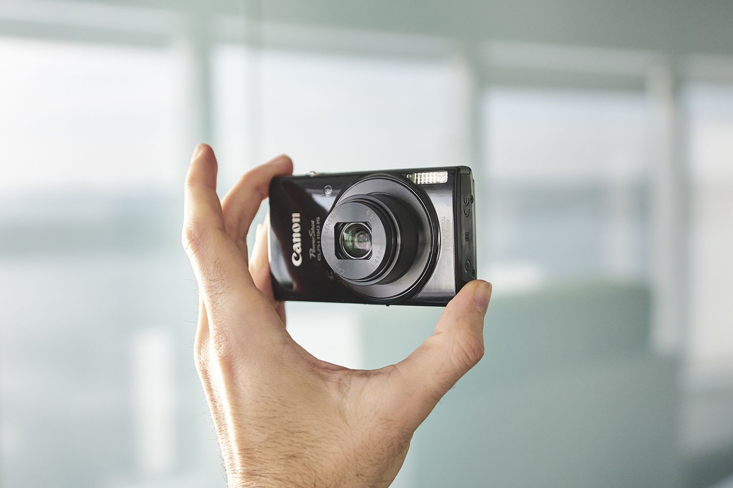 Canon PowerShot ELPH 190 Review: Solid Performance, Approachable Price