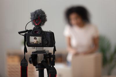 Using a DSLR camera as a webcam.