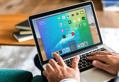 iPad screen on MacBook Pro via QuickTime Player