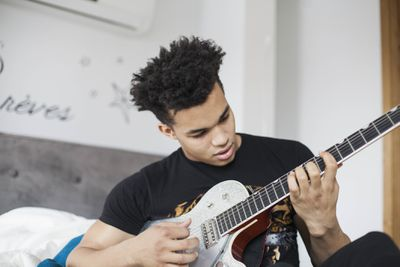 The 8 Best Beginner Electric Guitars of 2019
