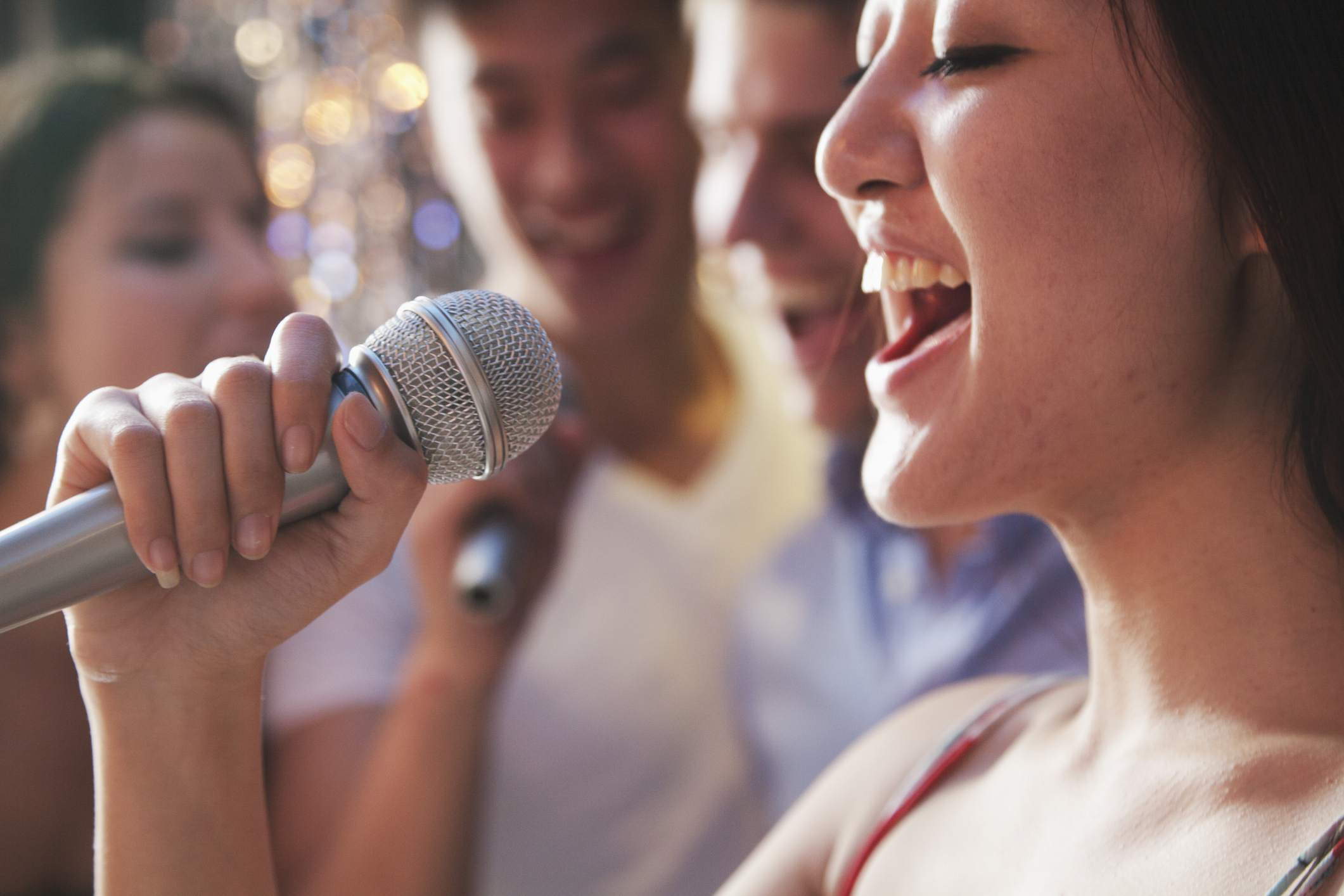 How to Throw a Karaoke at Home Party with Stereo System