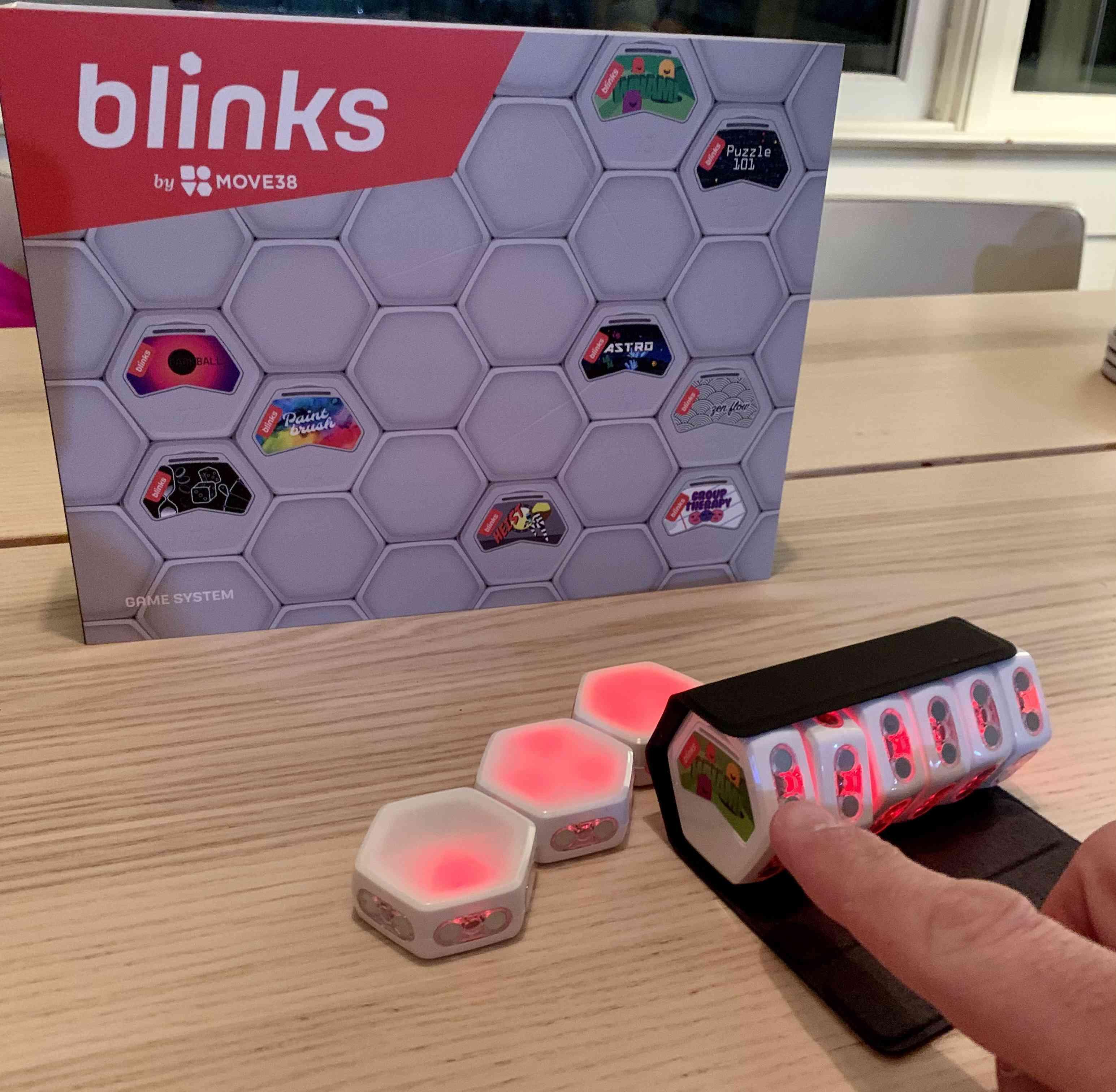 The Blinks starter game set.