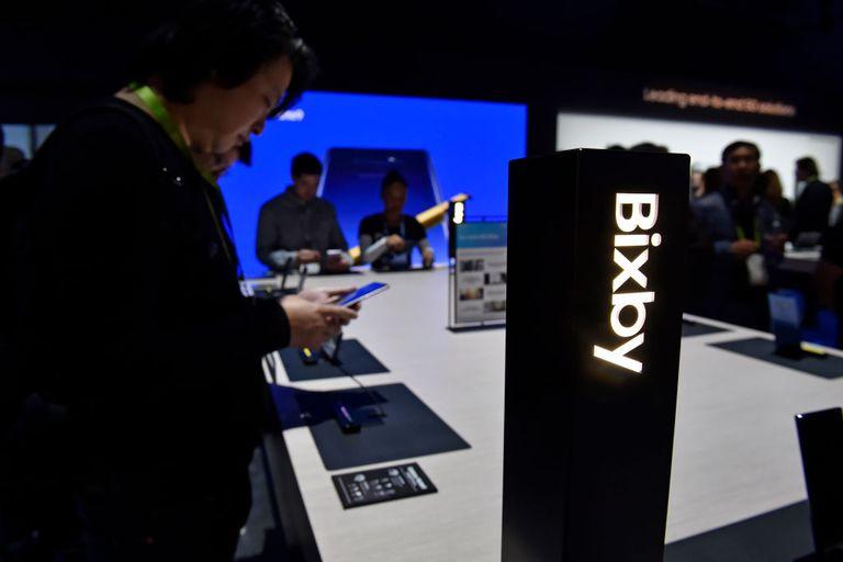 Samsung Bixby product demo