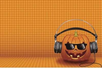 Halloween background [Jack o' Lantern with the headphone]