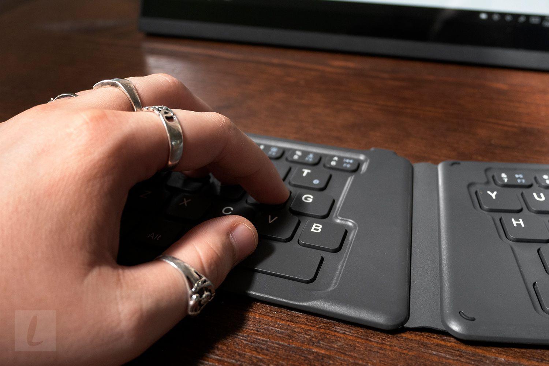 MoKo Universal Foldable Bluetooth Keyboard