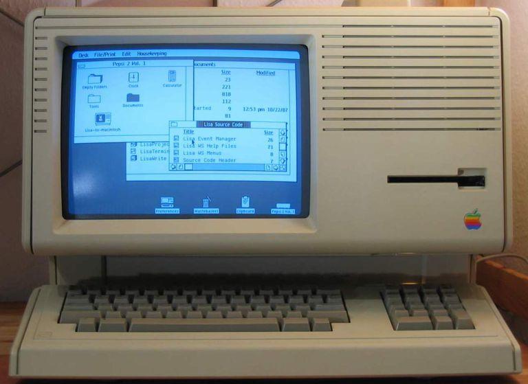 An Apple Lisa displaying its desktop.