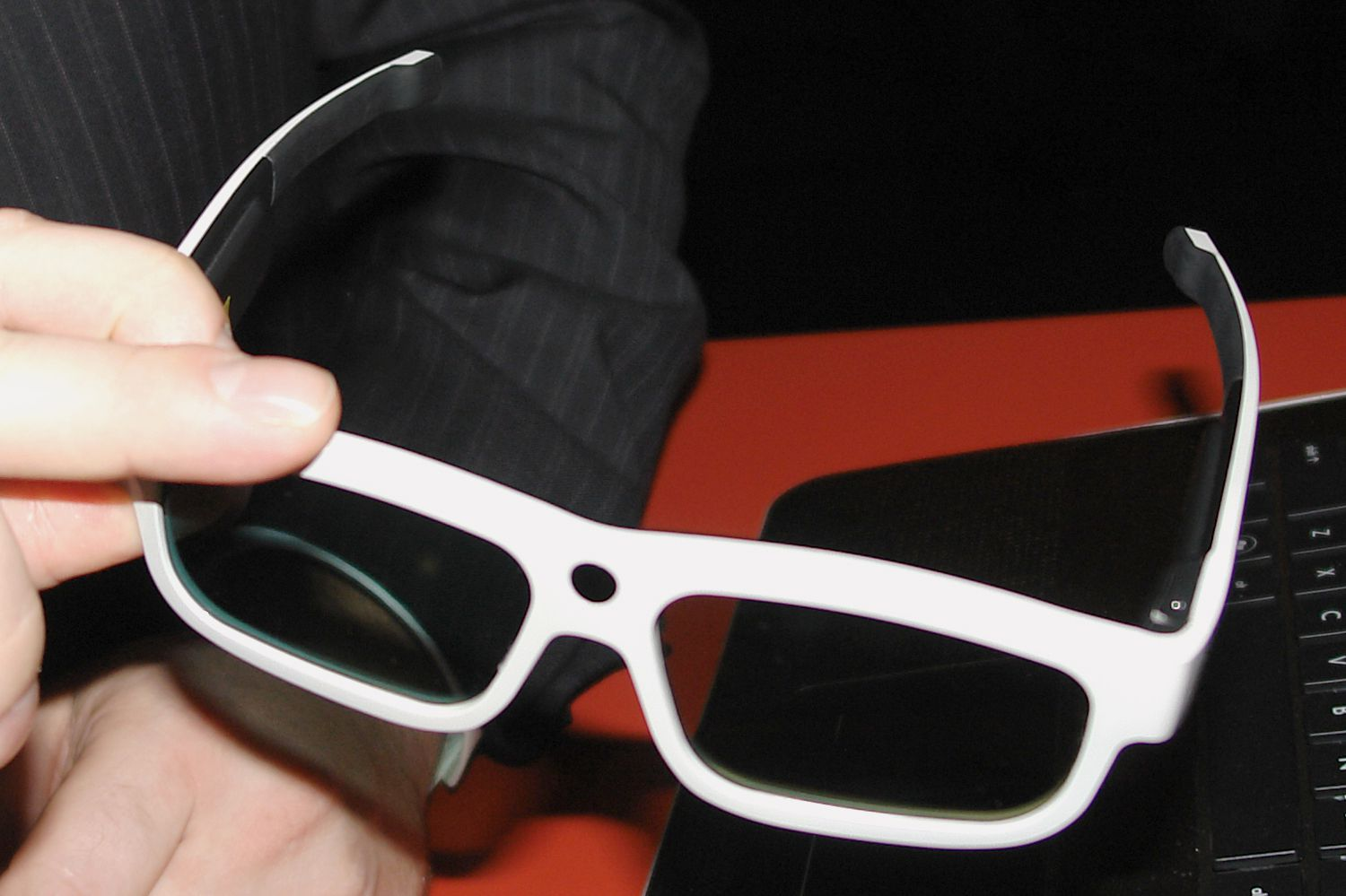 3D Glasses Example (Active Shutter Type)