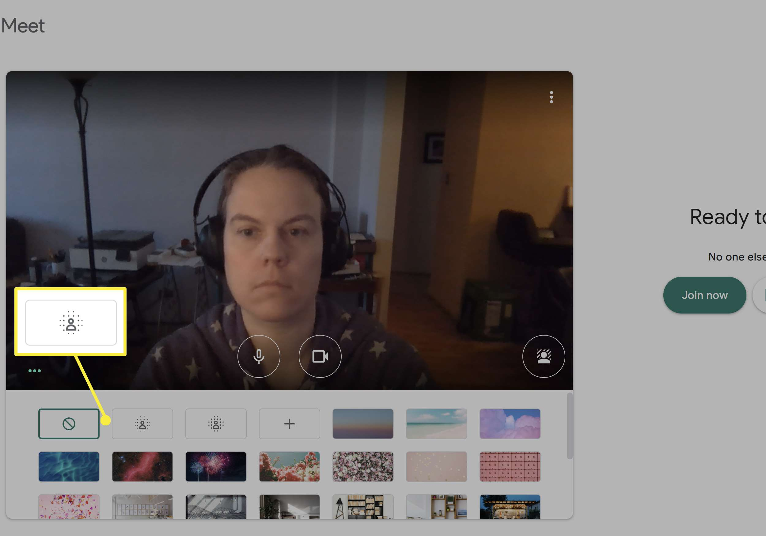 Blurring your background in Google Meet.