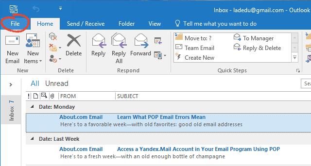 Click File screenshot in Outlook 2016