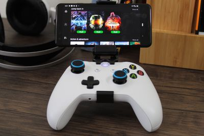 An Android phone streaming Xbox One games.