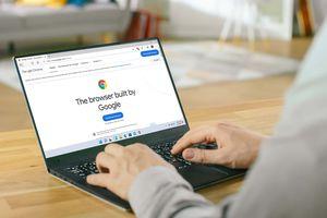 Installing Chrome on a Windows 11 laptop.