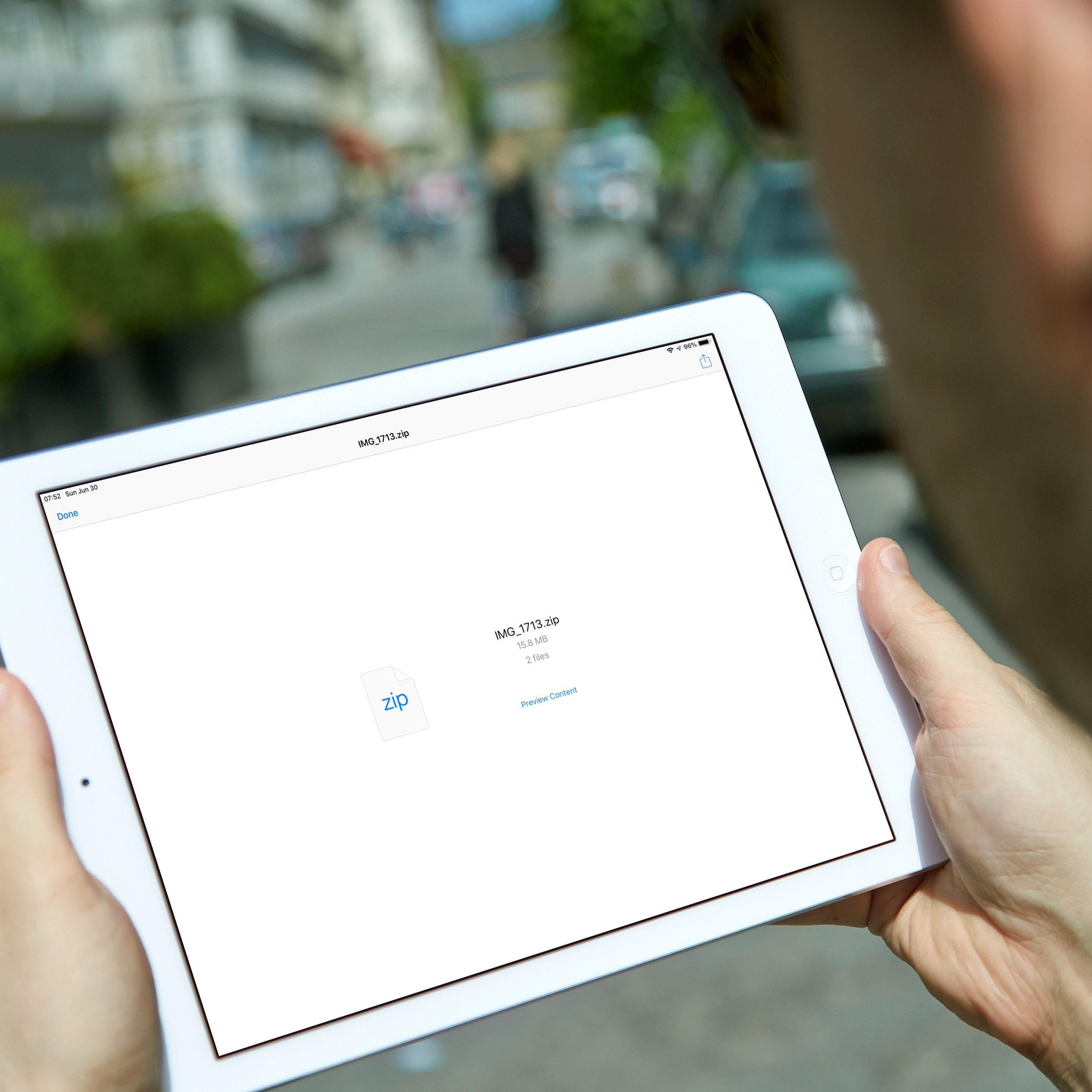 How to Make and Extract Zip Files on an iPad or iPhone Without iOS 13