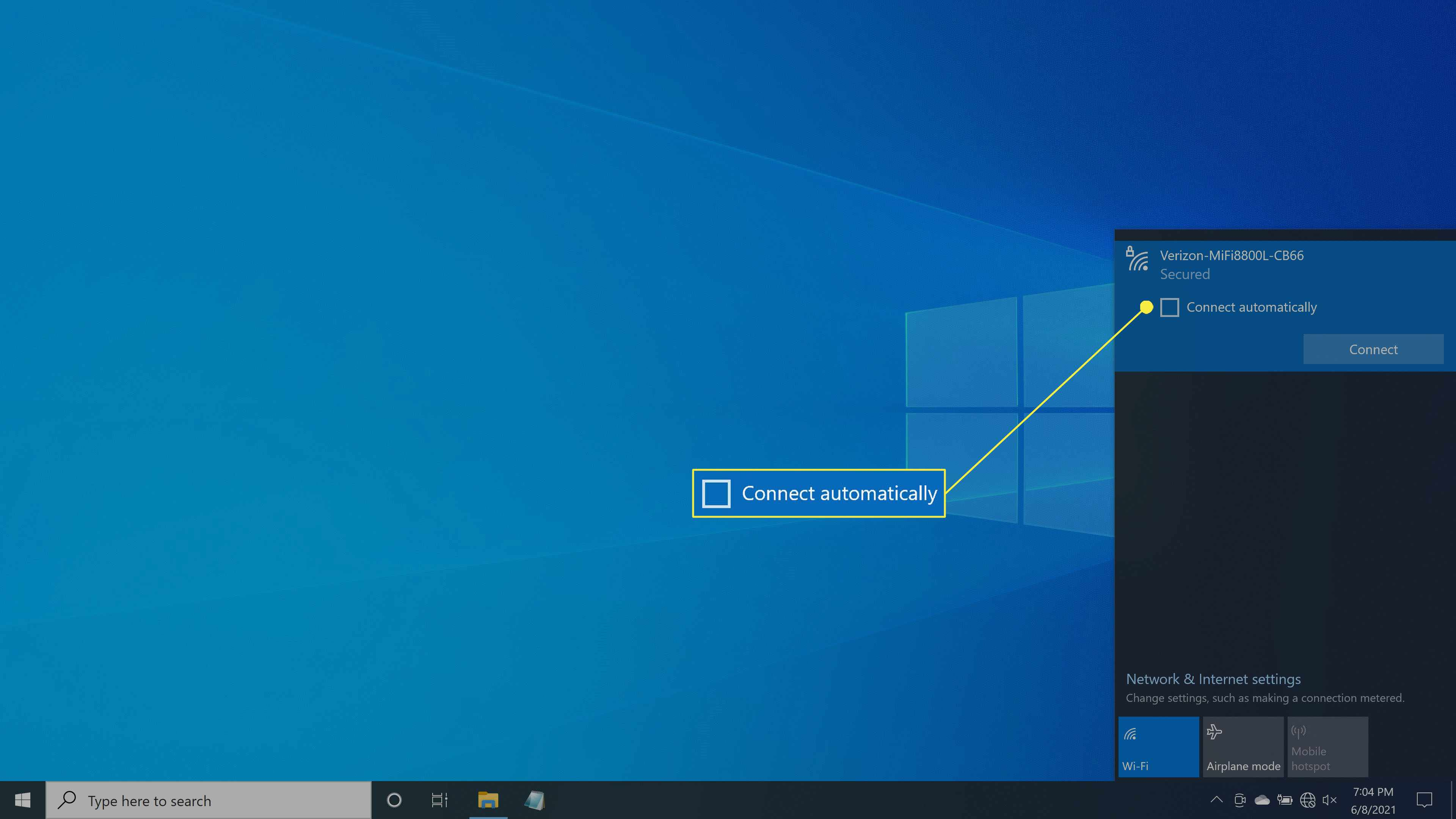 The option to connect automatically to a wireless network in Windows 10.