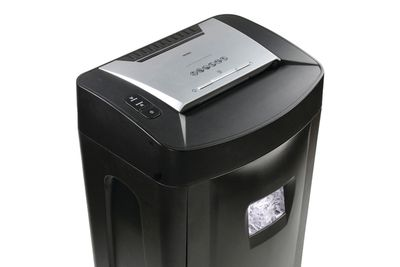 how to choose a personal paper shredder for home office royal 1840mx 18 sheet cross cut paper shredder