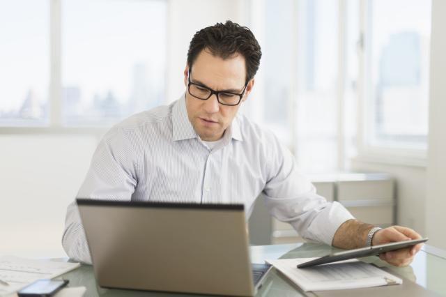 Man on Laptop working wirelessly