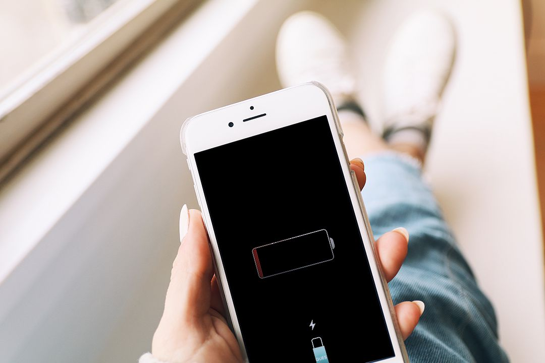 What to Do If You See a Red iPhone Battery Icon  What to Do If Y...