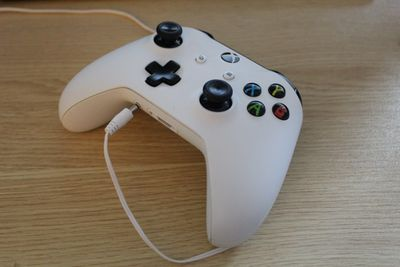 An Xbox One controller with a headphone jack that isn't working.