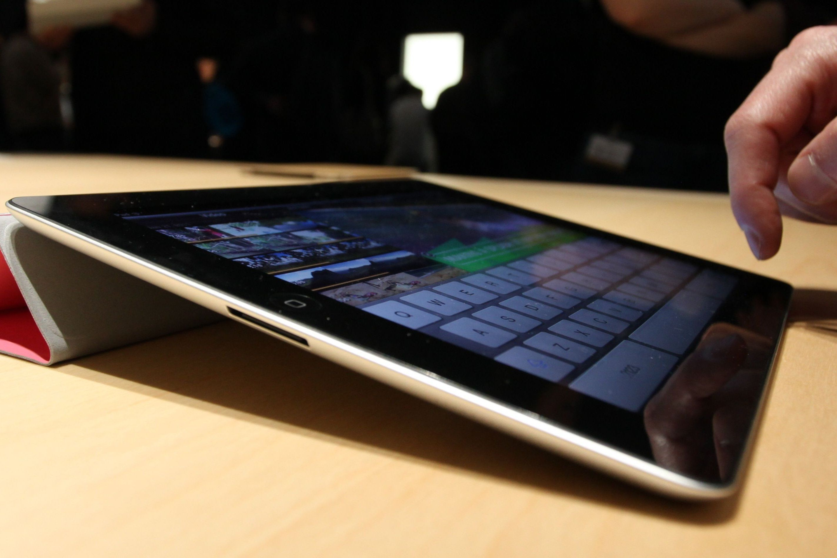 iPad Keyboard Tips and Smart Keyboard Shortcuts