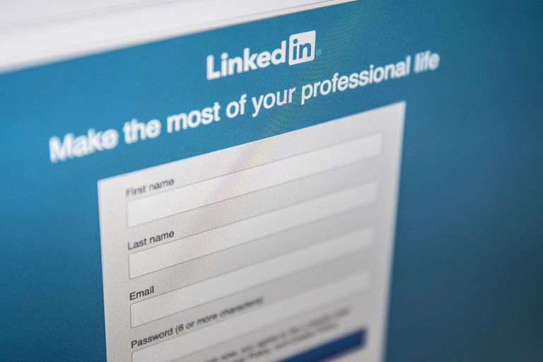 An image of the LinkedIn sign-in page.