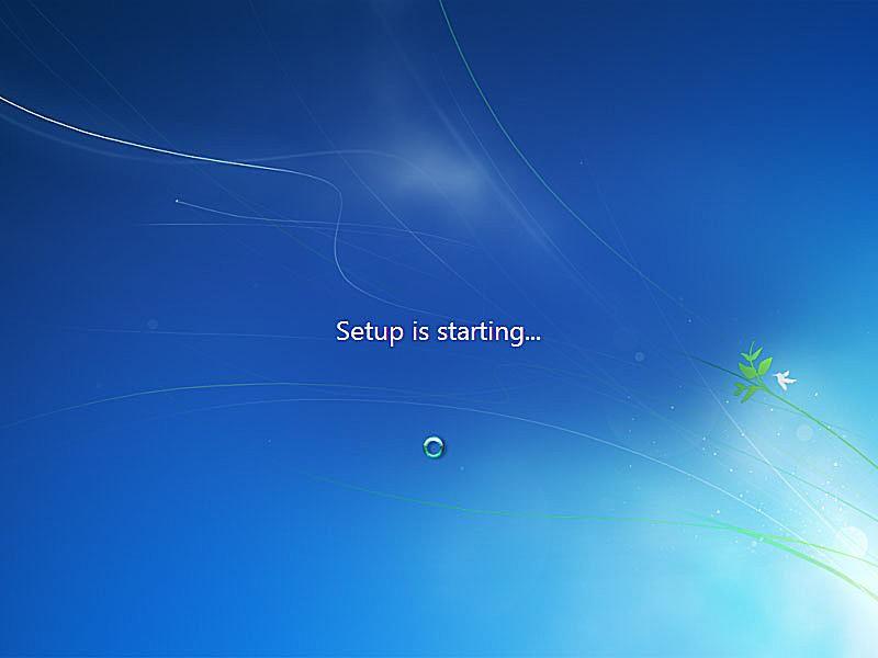 Windows 7 setup starting up