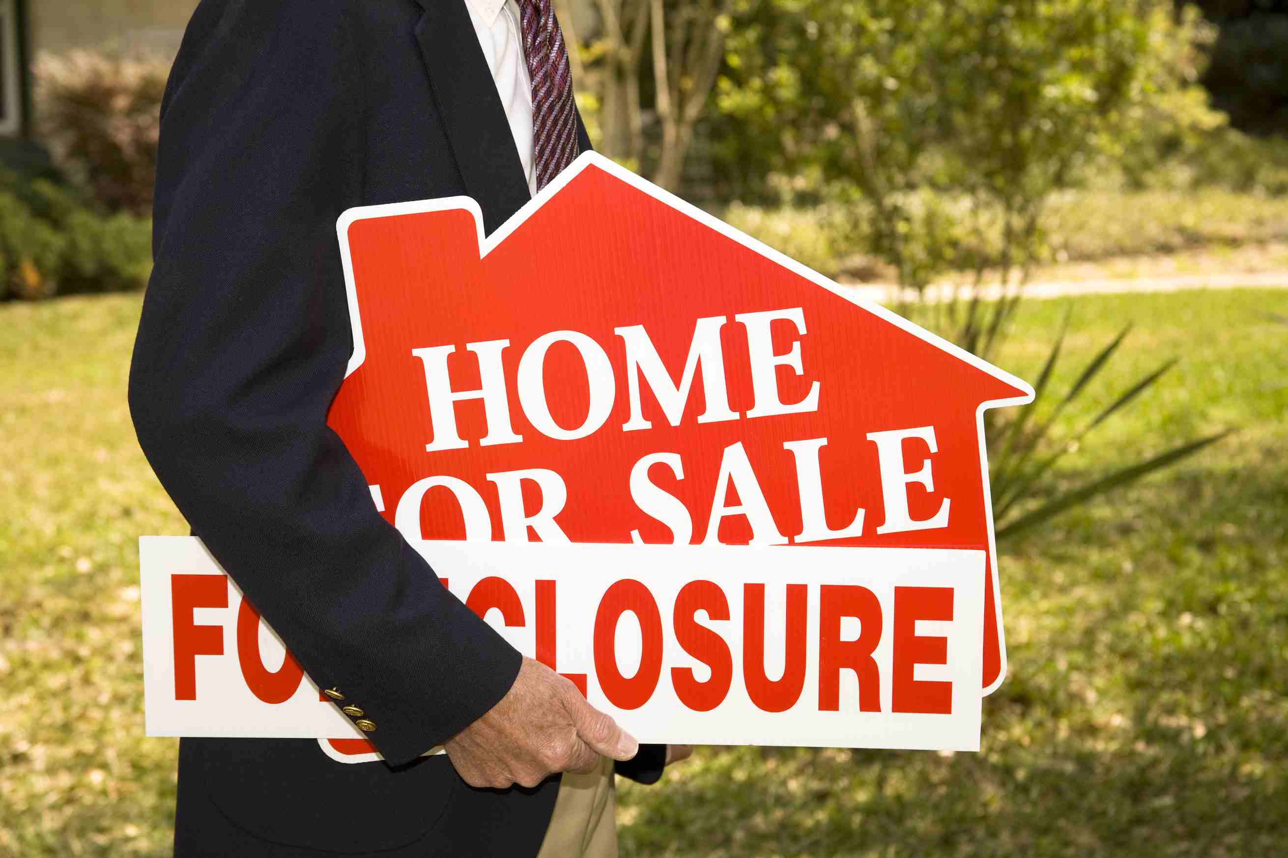 Foreclosure and Home for Sale sign