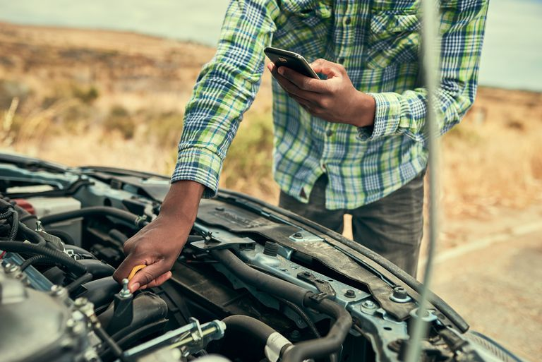 How to Use a Car Diagnostic Tool or Scanner