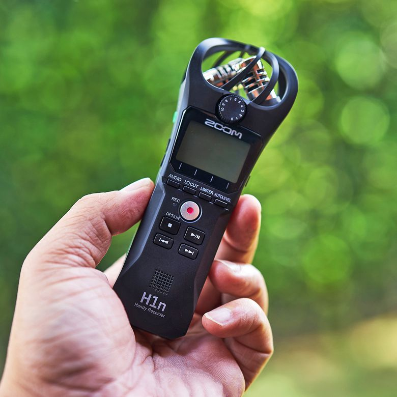 Zoom H1n Review A Portable Way To Record High Quality Audio