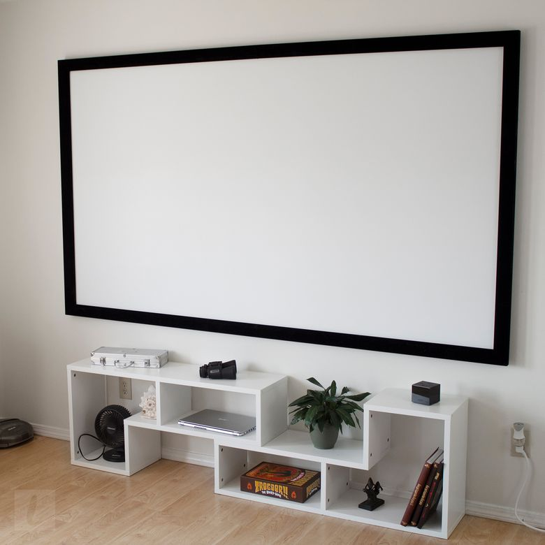Silver Ticket STR-169100 Projector Screen