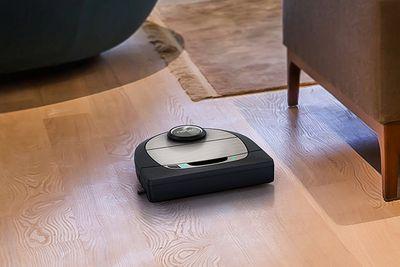Neato Robotics D7 Connected Wi-Fi Enabled Robot Vacuum