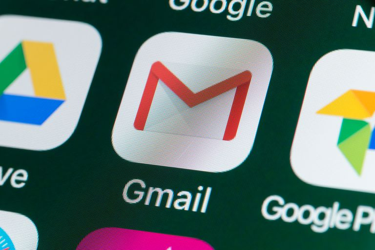 Gmail, Google Drive, Google Photos and other Apps on iPhone screen