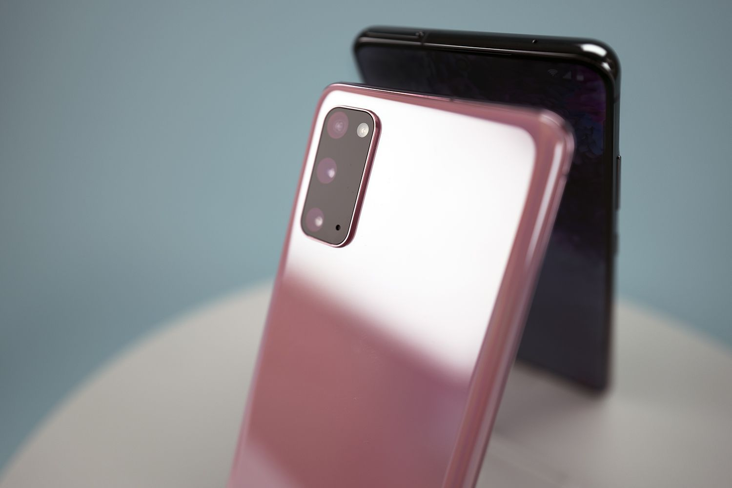 Galaxy S20 in pink