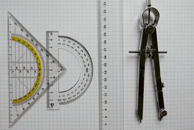 A compass for measuring angles