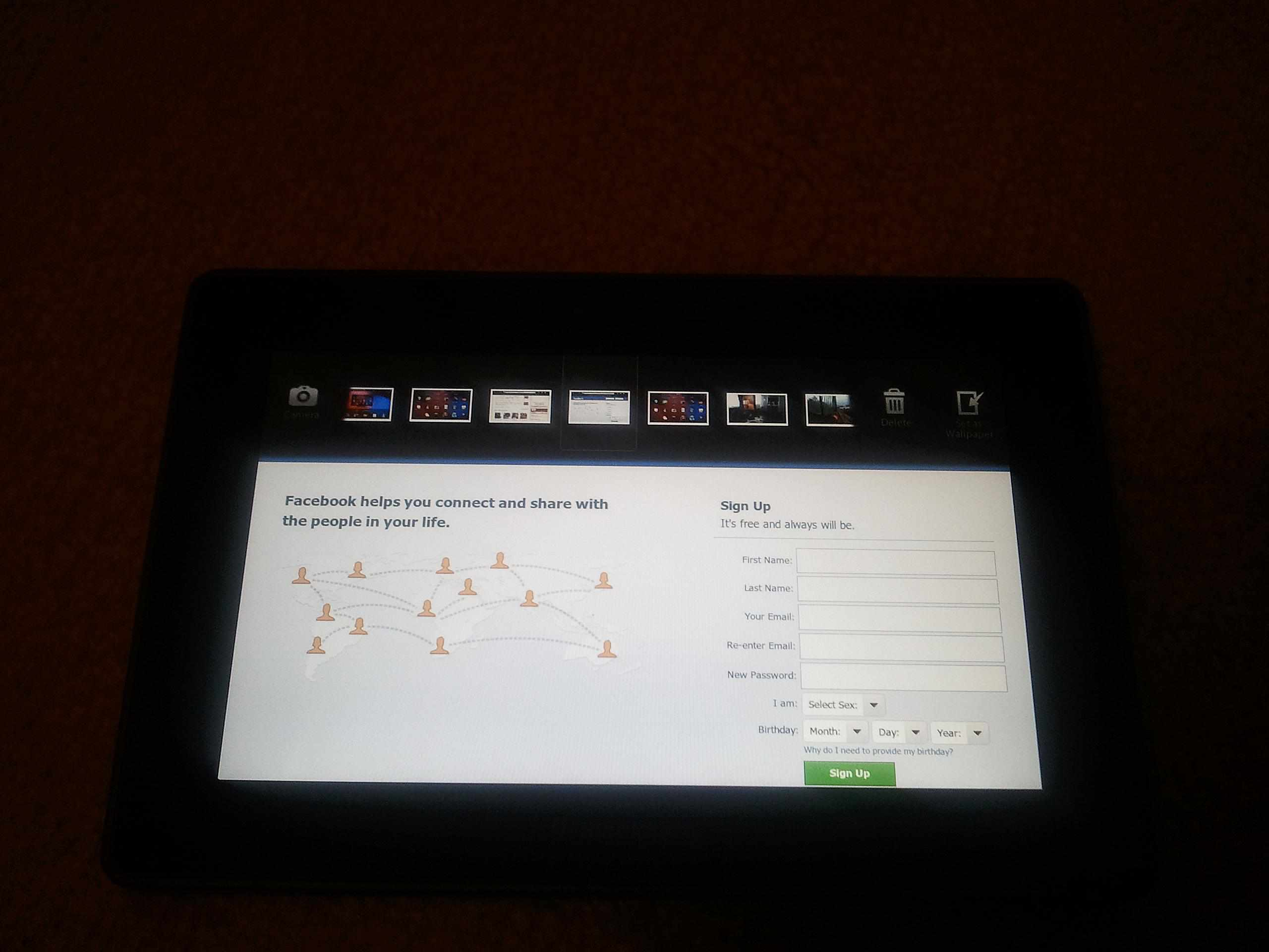 Delete Photos on BlackBerry PlayBook - Swipe Downward