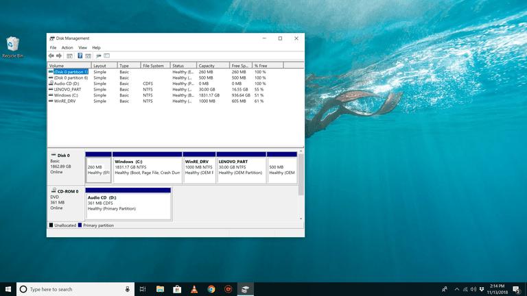 Disk Management on the Windows 10 desktop