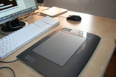 A Tablet For Drawing Directly To Your Computer Makes a Perfect Gift