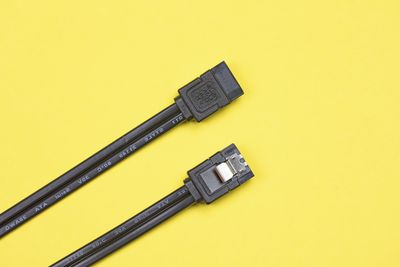 Black eSATA cable for connecting a hard drive to the motherboard, Computer component