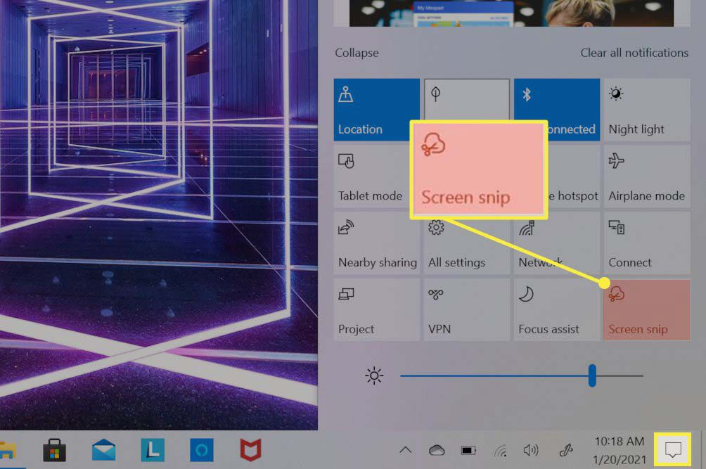 Windows 10 Action Center opened with Screen Snip box highlighted.