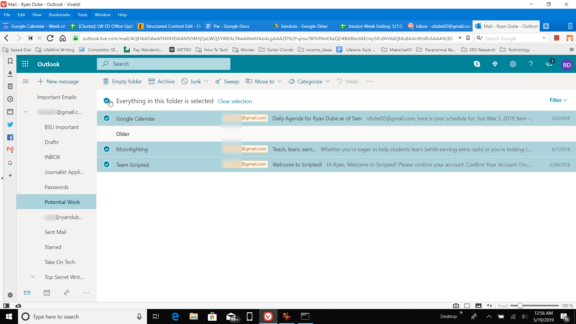 Screenshot of selecting all messages in Outlook online