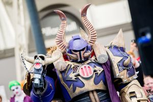 Warhammer 40k Chaos Space Marine Lord cosplayer