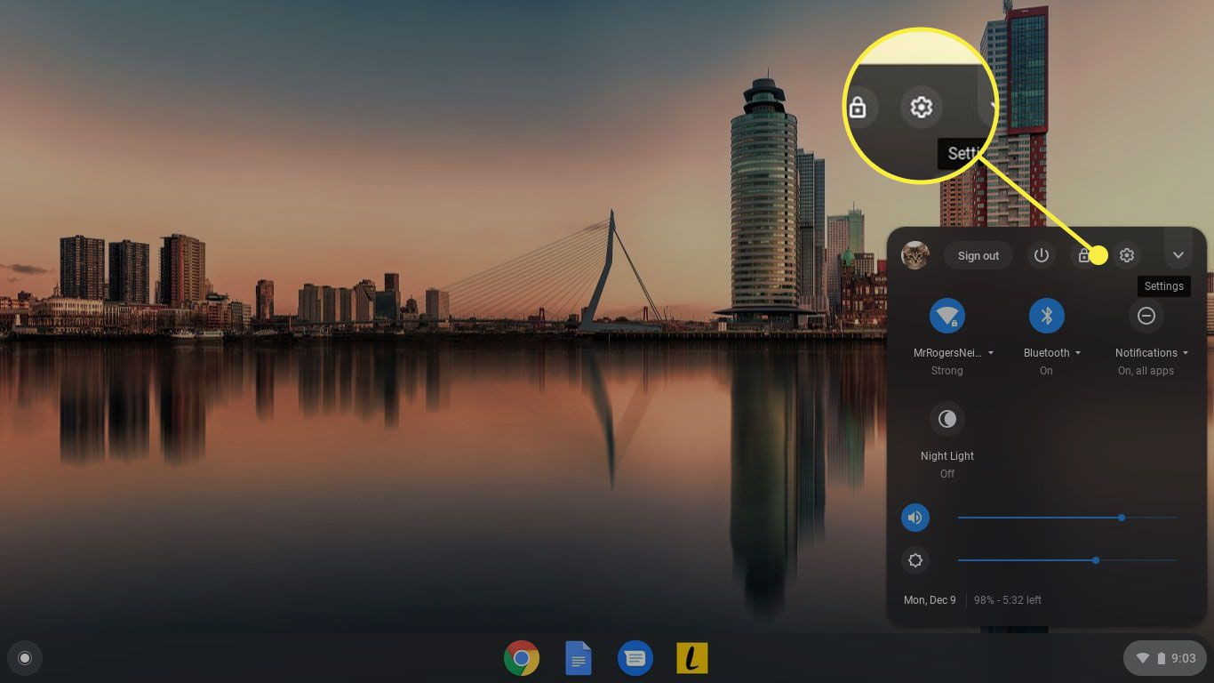 Changing The Wallpaper And Theme On Your Google Chromebook