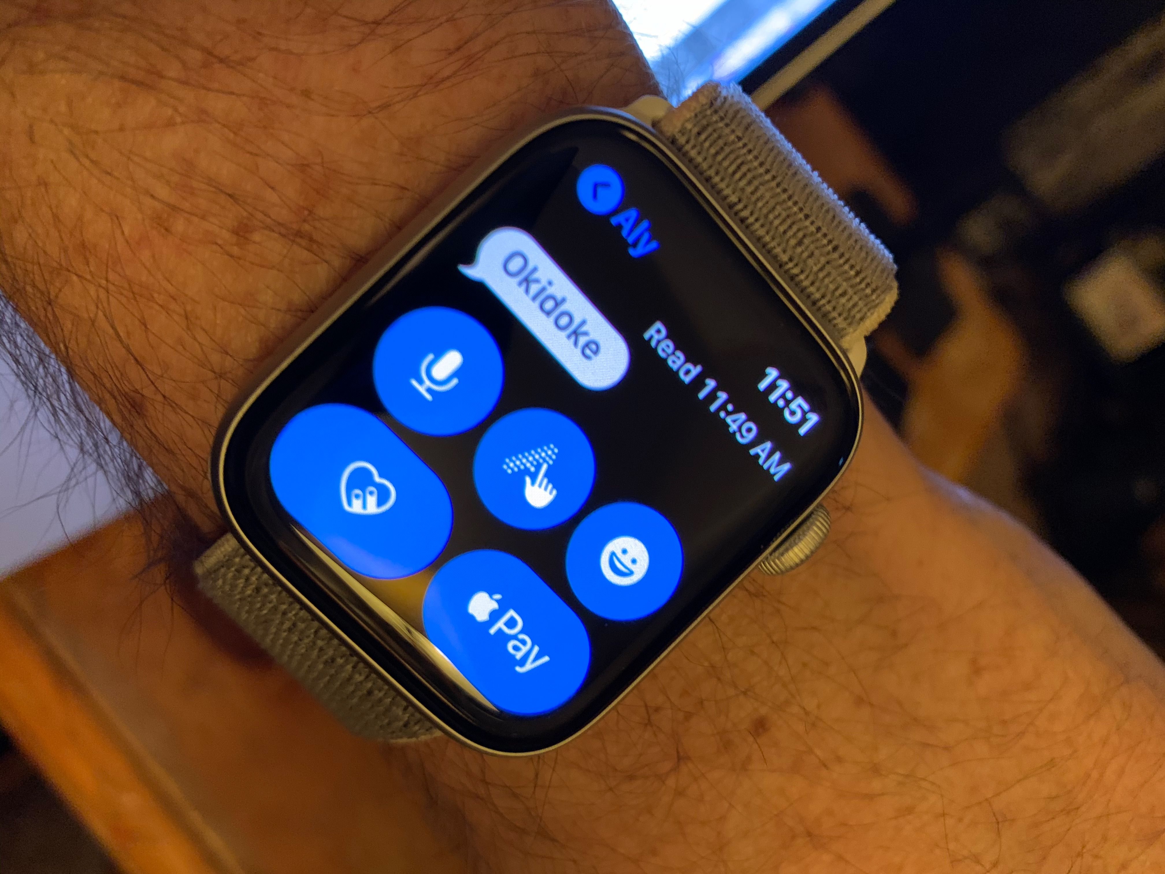 It's Easy to Text on Your Apple Watch