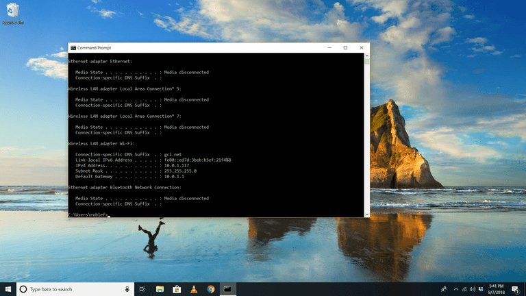 WIndows 10 desktop running ipconfig in Command console