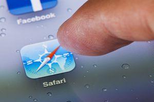 Running Safari web browser on an iPad