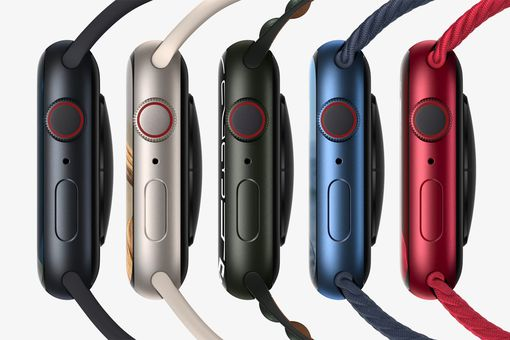 Apple Watch Series 7 in 5 different colors