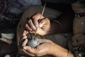 miniature head sculpting