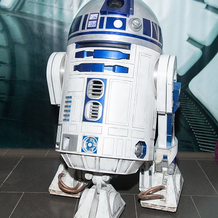 R2D2 on the red carpet