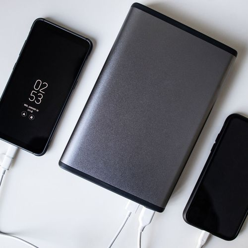 MaxOak 185Wh/50000mAh Battery Pack Review: The Do-It-All Power Bank