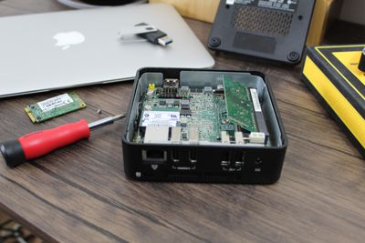 Components used to create a Hackintosh.
