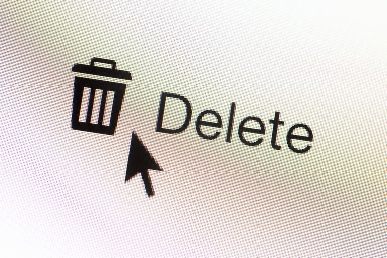 Delete web button for email and mouse arrow on computer screen